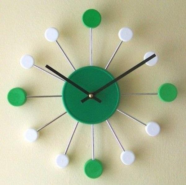 Tái chế chai nhựa thành đồng hồ