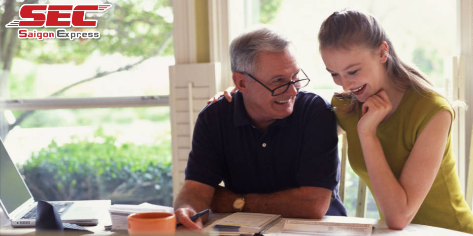 Tâm sự với người già trước khi chuyển nhà