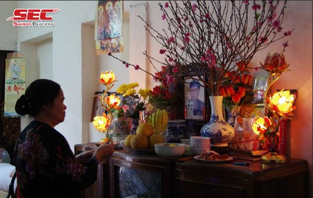 chuyển bàn thờ bát hương từ nhà cũ sang nhà mới
