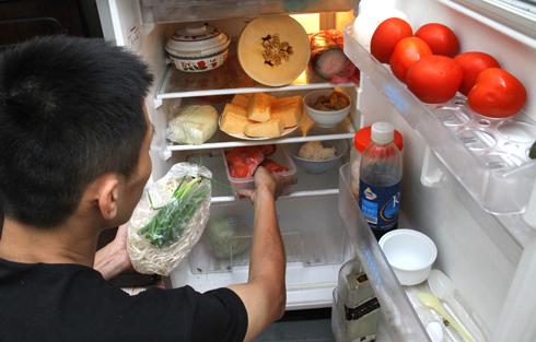 kiểm tra tủ lạnh trước khi chuyển nhà