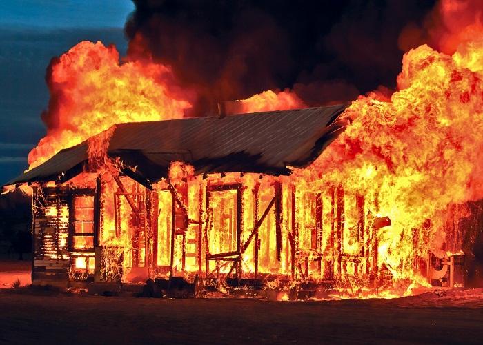 Image result for Giải mã điềm báo mơ thấy nhà bị cháy.