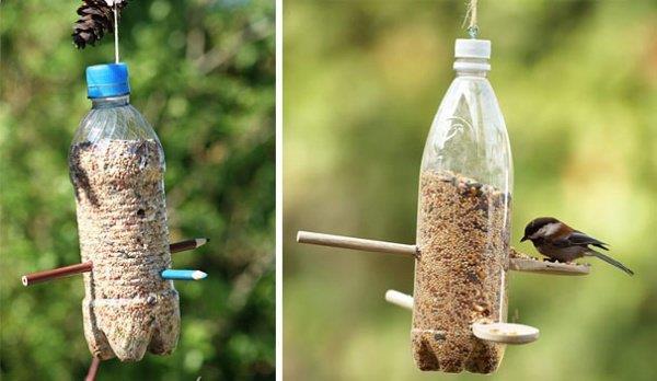 Cách tái chế chai nhựa làm đồ ăn cho chim