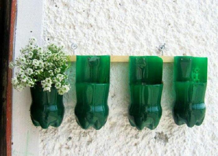 cắm hoa bằng chai nhựa