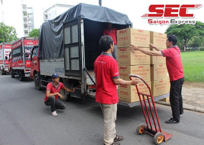 Cách xếp đồ lên xe tải chở hàng