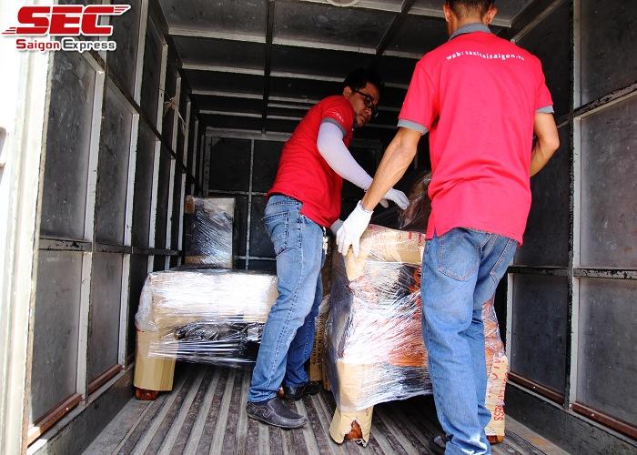 Dịch vụ bốc xếp hàng hóa Sài Gòn Express