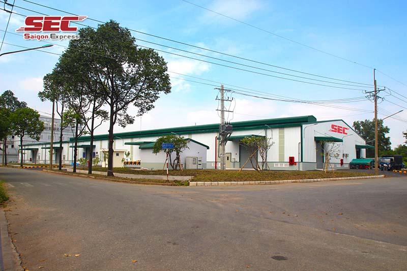 kho hàng của Saigon Express tại KCM Tân Thuận